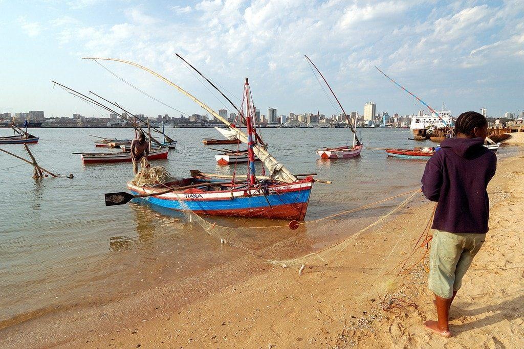 Closest Beach near Maputo - Fishermen in Catembe