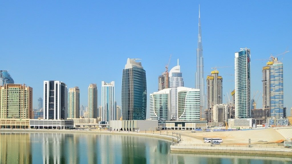 A taxi is the most convenient and fastest way to travel between Dubai and Abu Dhabi