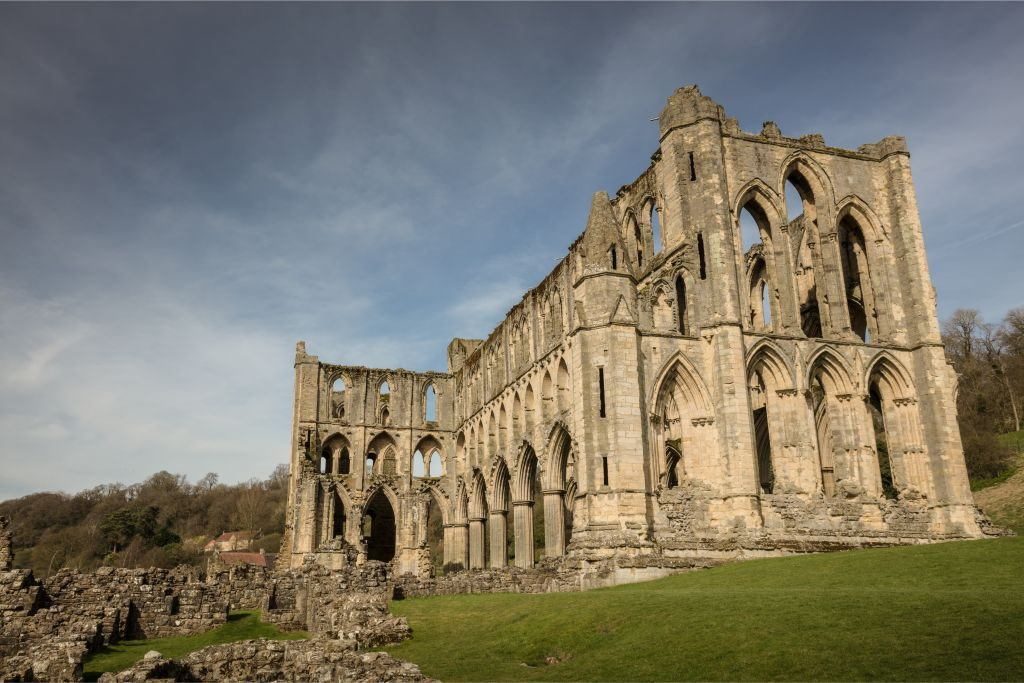 North Yorkshire things to do Rievaulx Abbey