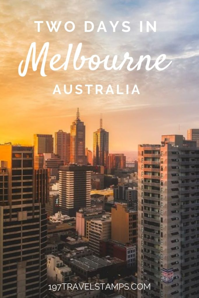 Things to do in Melbourne Australia with two days - a perfect travel itinerary highlighting the best #food of the city as well as the most beautiful places including skyline views and photography spots. #map