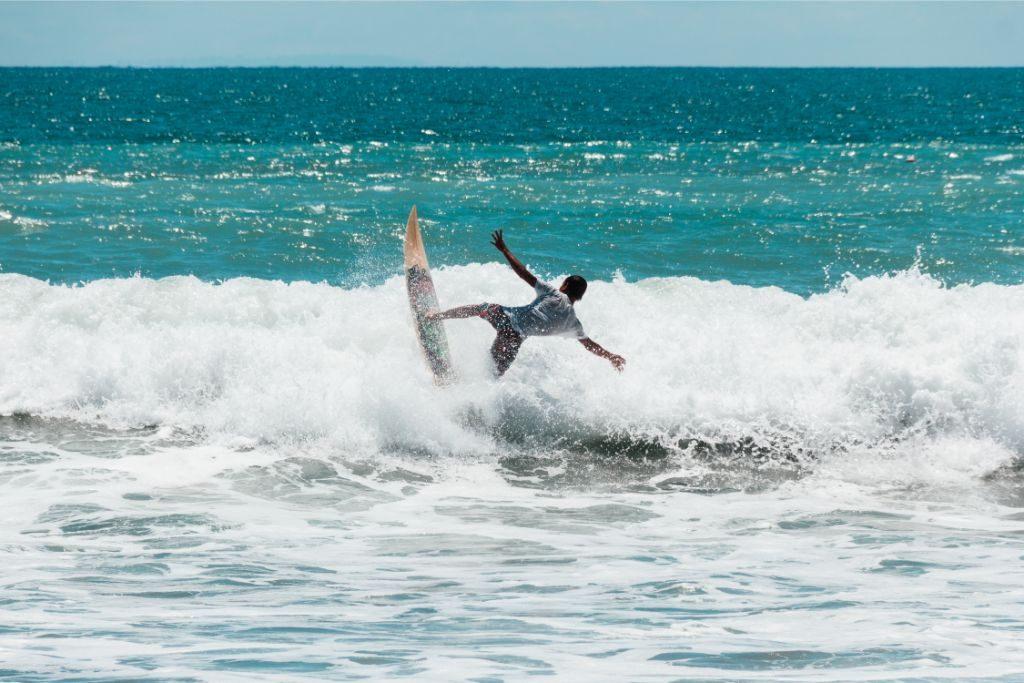 Kuta-Beach-Bali-surfing